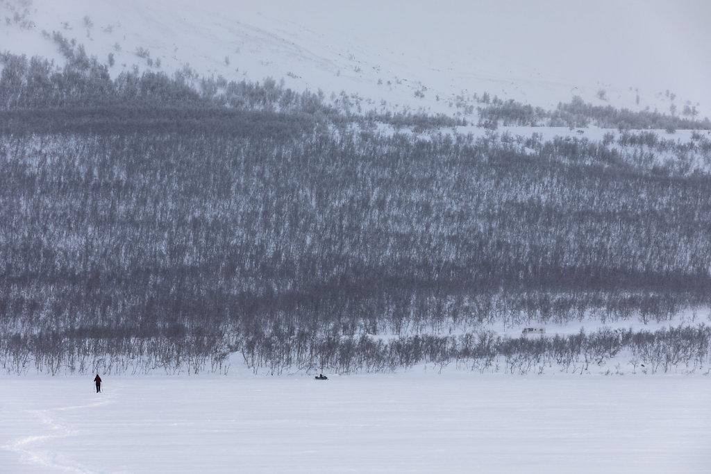 Schneeschuh-Wanderung auf dem Kilpisjärvi