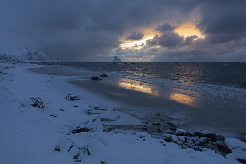 Zwischen zwei Schneeschauern: Die Vogelinsel von Bleik